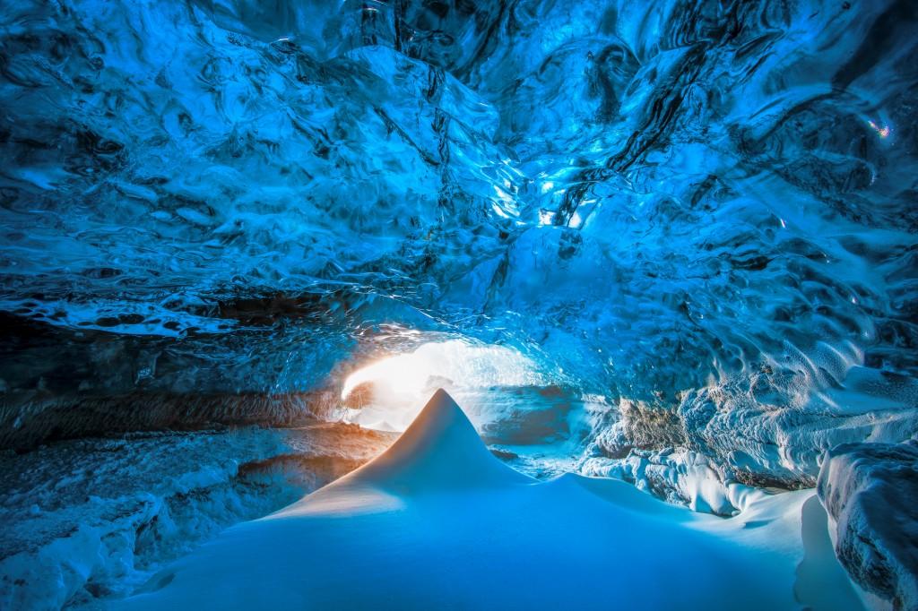 j-icecave12